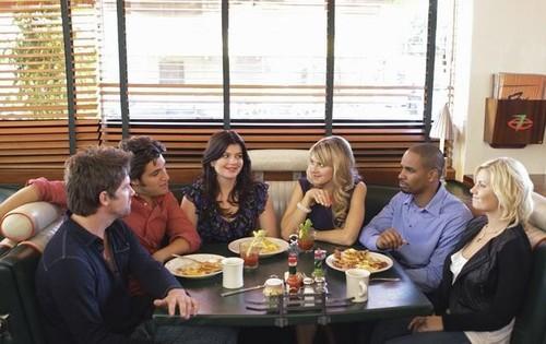 Happy-Endings-Cast.jpg