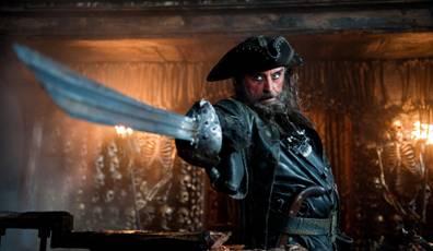 pirates3-drag.jpg