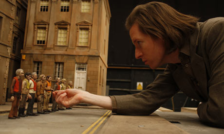 Wes-Anderson-on-set-of-Fa-001.jpg