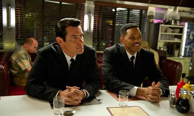 Men in Black 3 - Josh Brolin, Will Smith