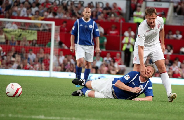 Gordon Ramsay injured - Soccer Aid