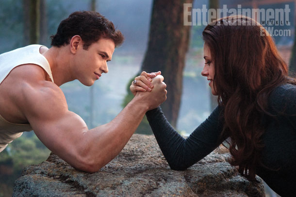Breaking Dawn Part 2 - Bella and Emmett