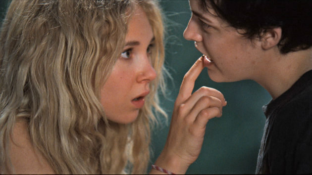 Jack and Diane trailer - Juno Temple, Riley Keough