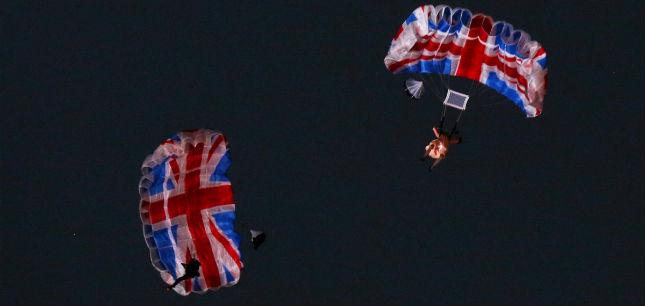 2012 Olympics Bond Queen