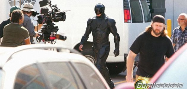 'Robocop' suitl: Does it look too much like the Bat suit?