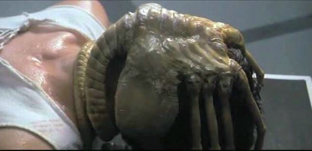 Prometheus-screenwriter-says-Alien-facehuggers-were-in-first-draft